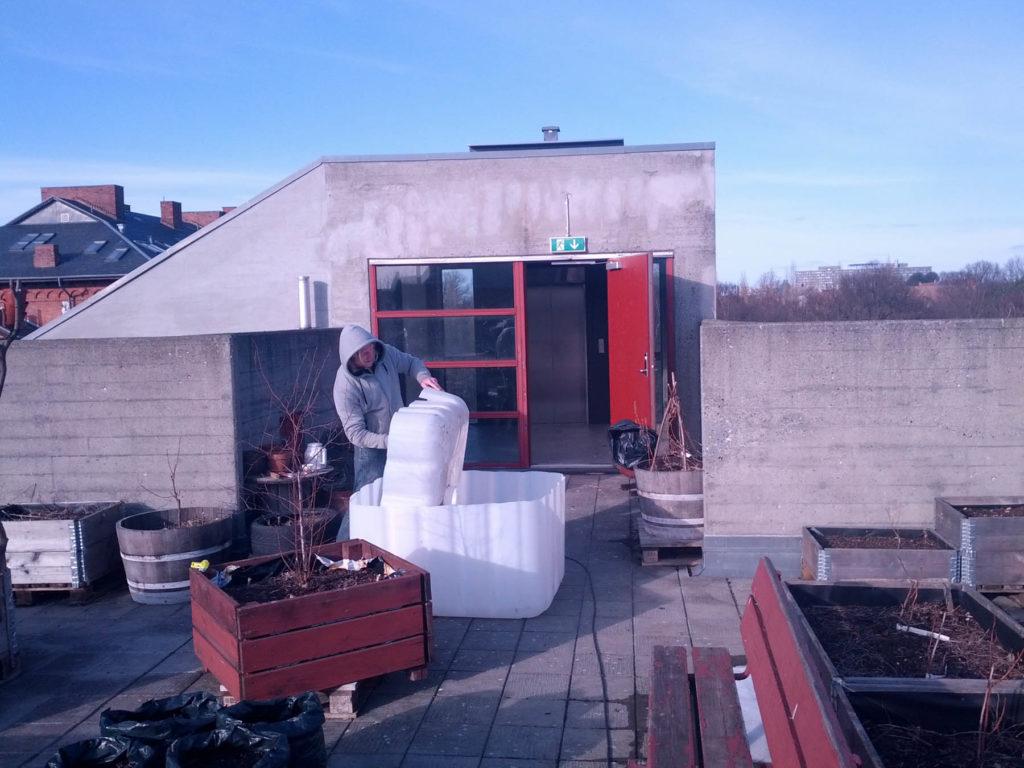 Prototype på kapillærhøjbed, opstartsworkshop og indvielse af fortovshave. Kig forbi 7. april og 5. maj.