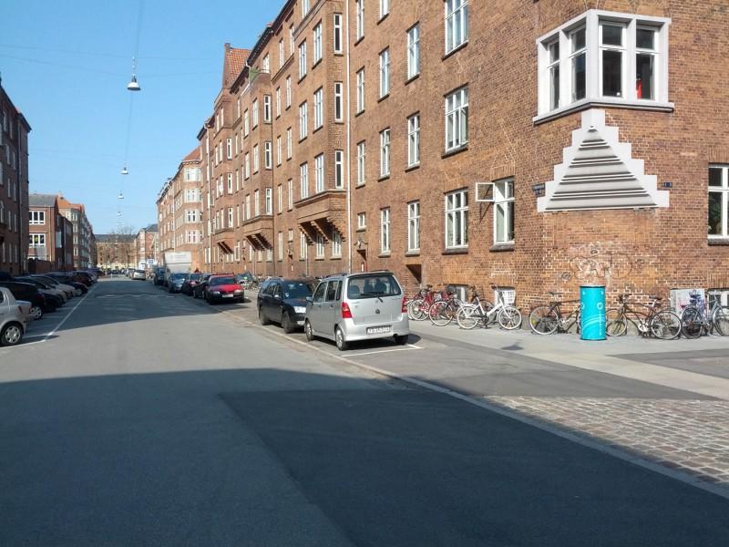Et hjørne uden Fortovshave på UngarnsgadeIMG_20140329_125917