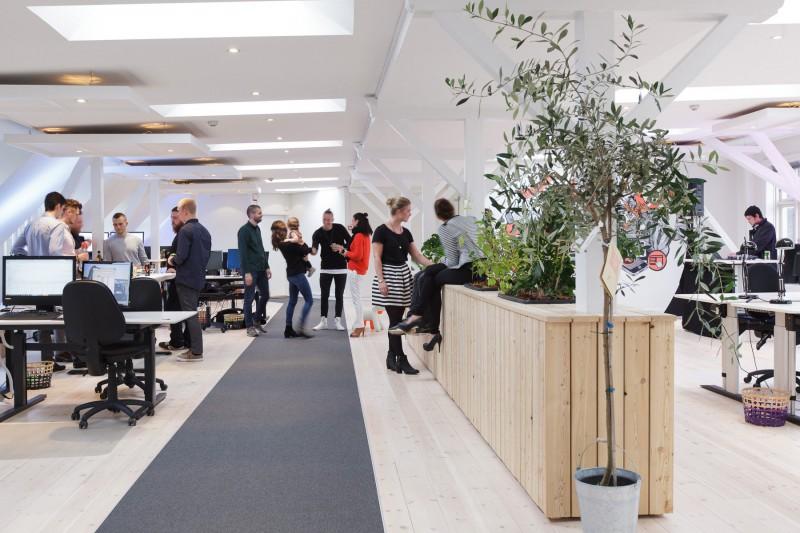 Plantemøblet skaber en naturlig ramme for sociale arrangementer på arbejdspladsen