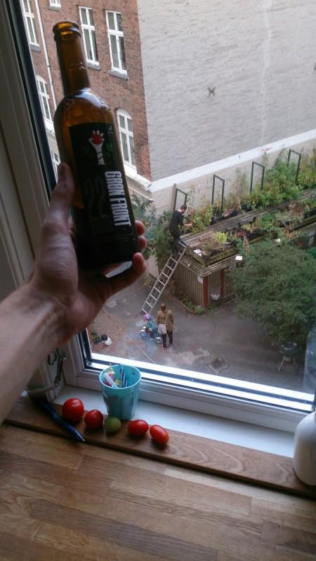 Flasken med den Grønne Front, af TagTomat til folket :-)