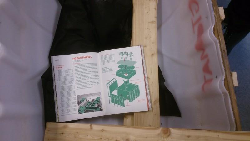 I bogen fra TagTomat indgår blandt andet en guide til at lave selvvandende højbedsmøbler.