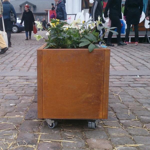 Plantekumme i corten - 120x40x40 - med hjul